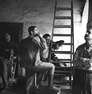 Giornalfoto: Vittorio Gassman durante le riprese del film La Grande Guerra di Mario Monicelli a Venzone Giugno 1959 CMSA GF NP 14341_21